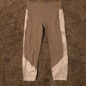 Athleta Medium Capri Leggings like new!